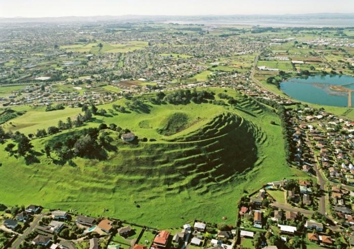 Te Pane o Mataoho or Māngere Mountain, an aerial view